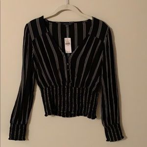 American Eagle black and white striped top.